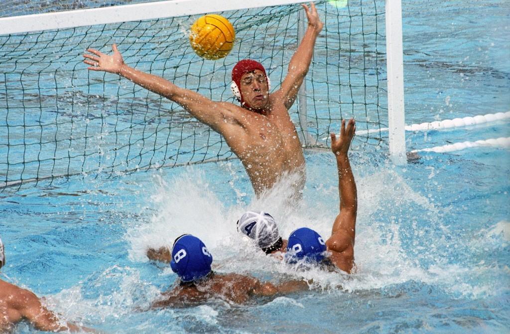 Встреча команд Венгрии и Голландии по водному поло
